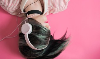 Best Money Podcasts to learn about personal finance. Don't have time to read personal finance books? You can get your financial life together on-the-go with these great personal finance podcasts.