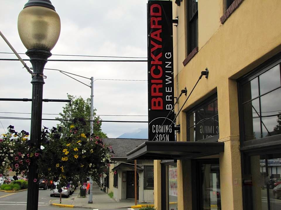 Small Woodinville Brewery Expands to downtown North Bend; Snoqualmie Brewery debuts New Menu - Living Snoqualmie