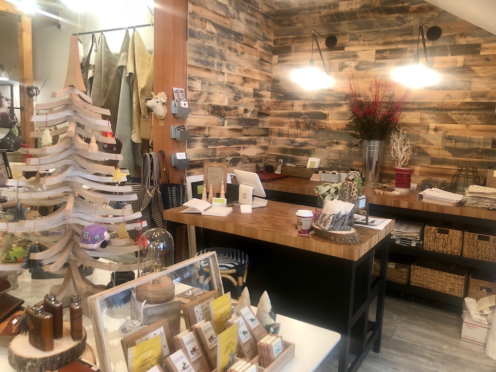 Business Comings North Bend Interior Designer Brings New Home Store To Downtown Snoqualmie Living Snoqualmie