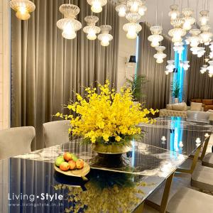 แต่งโต๊ะอาหาร แจกันดอกกล้วยไม้ สาวน้อยเต้นระบำ %%sep%% Livingstyle ตกแต่งบ้าน แจกันดอกไม้ ดอกไม้ปลอม ต้นไม้ปลอม ดอกไม้ประดิษฐ์ ต้นไม้ประดิษฐ์