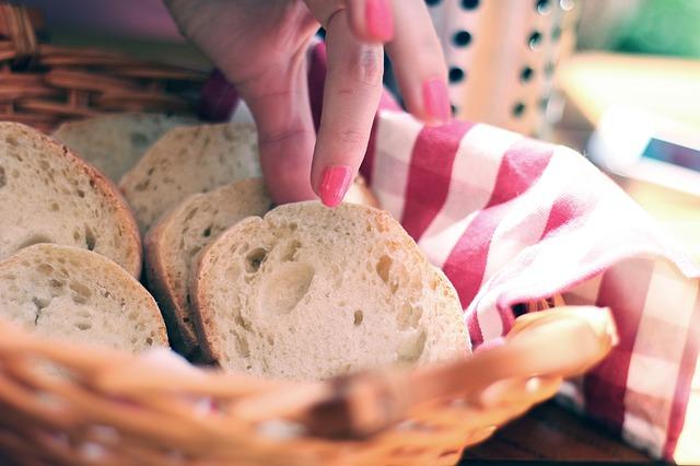 bread-410318_640