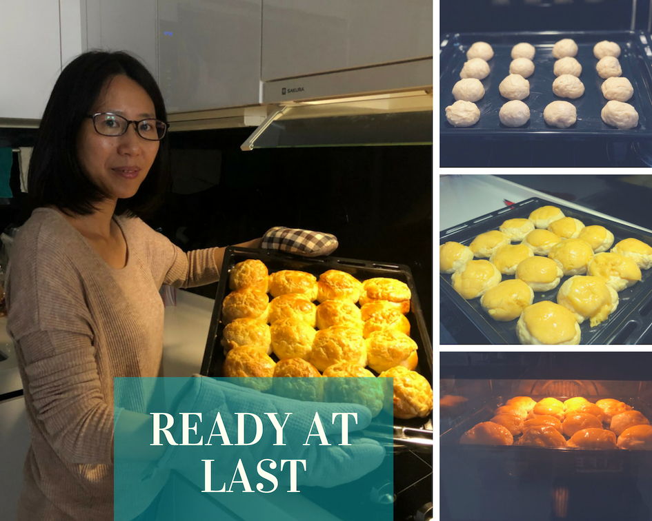 Making pineaapple buns