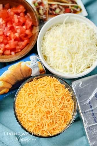 taco pizza ingredients with Pillsbury crescent rolls