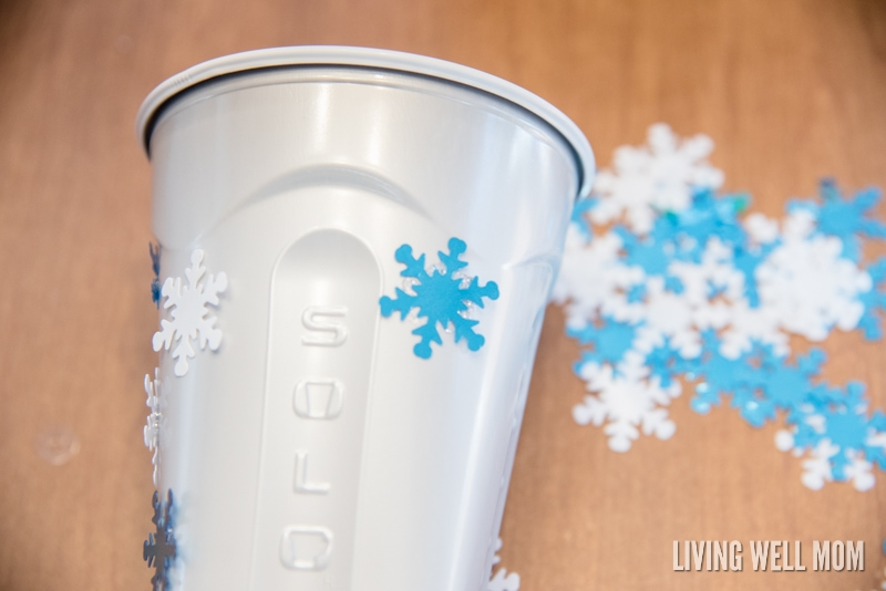 Simple DIY decorated holiday snack cups