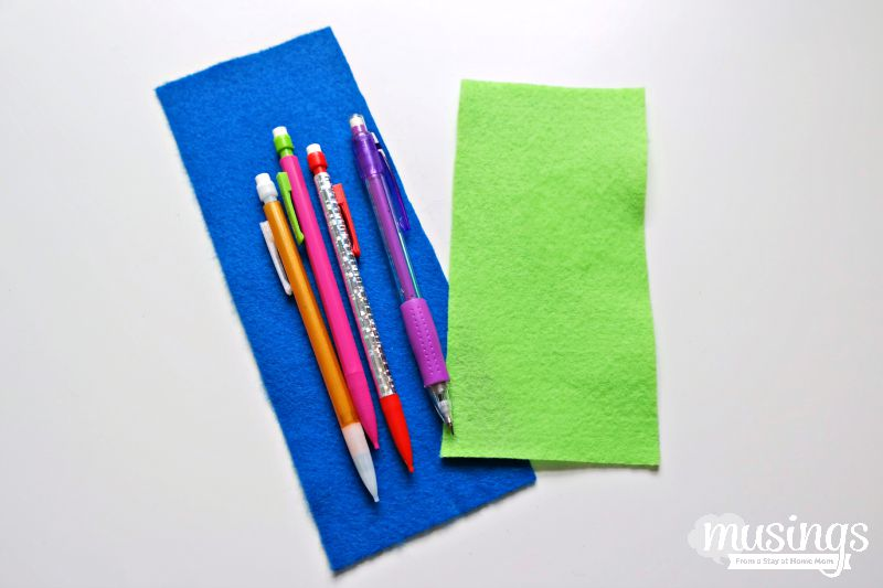 A step by step photo tutorial for how to make a pencil case from felt. This is a perfect beginner sewing project - it's so easy, the kids can do it! Plus they'll love customizing their own pencil case for back to school!