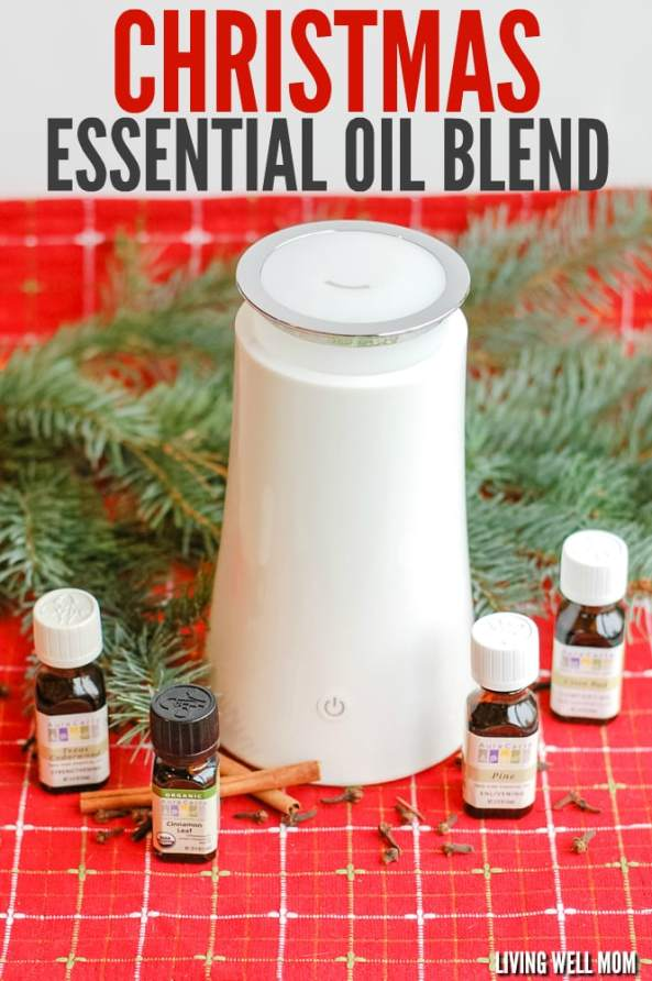Looking for essential oils that smell like Christmas? This simple and delightfully festive blend will fill your home with a lovely holiday scent! #christmasessentialoils #christmas #essentialoilblend #essentialoildiffuser