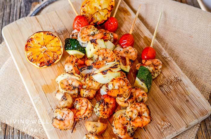 lemon garlic shrimp on skewers for grilling