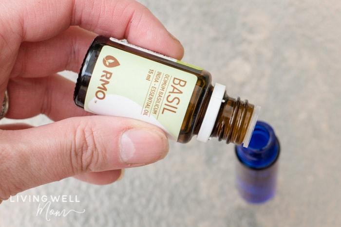 basil essential oil for mosquito bites