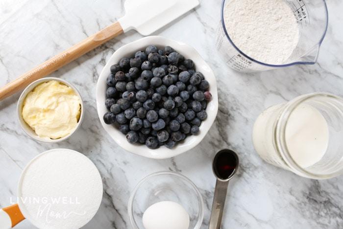 ingredients to make blueberry dump cake
