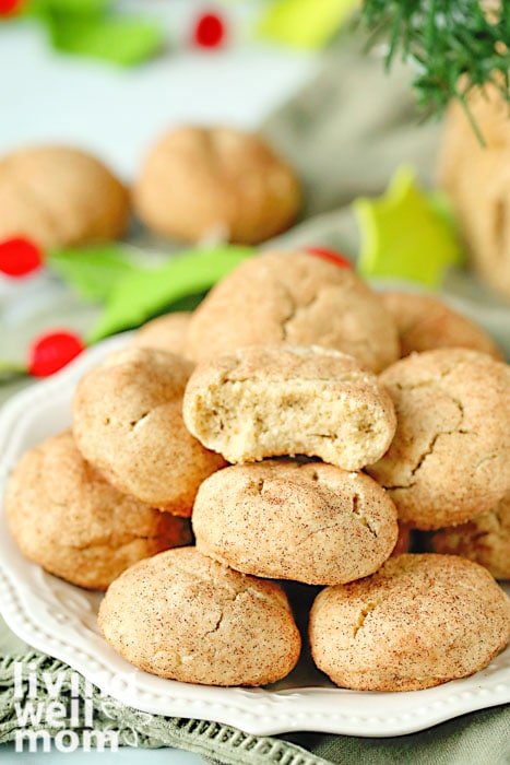 plate of gluten-free snickerdoodles cookies for Christmas