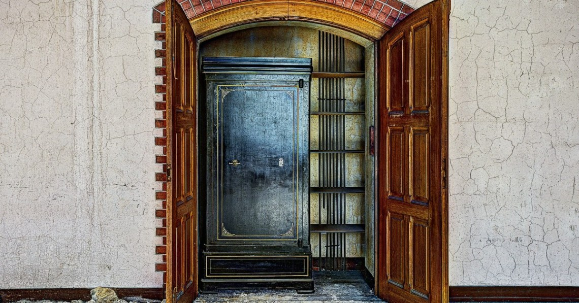 Old-fashioned-closet-open-doors