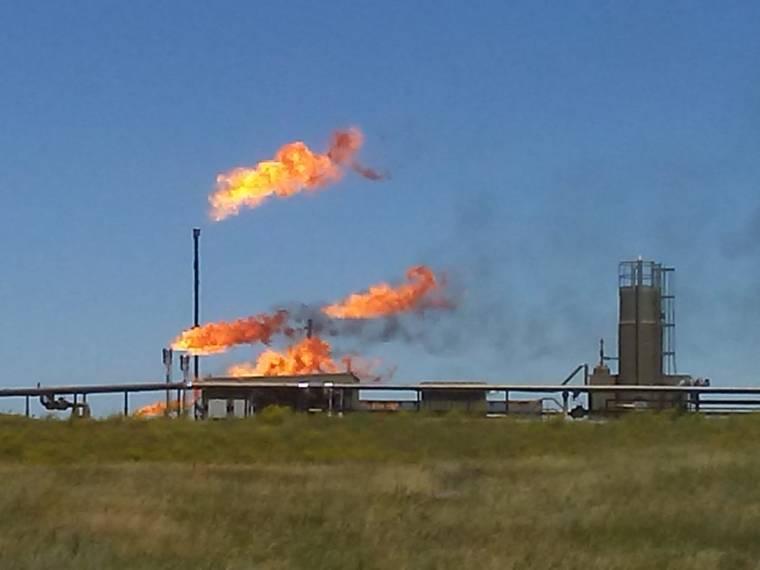 flaring in north dakota oilfield