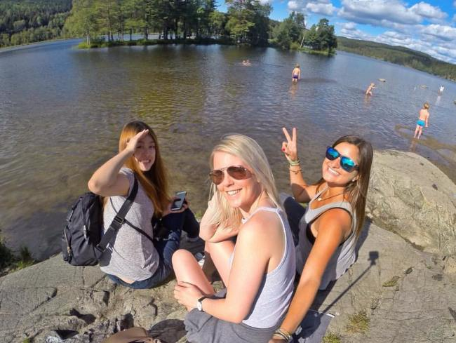 Sognsvann Lake with Couchsurfers