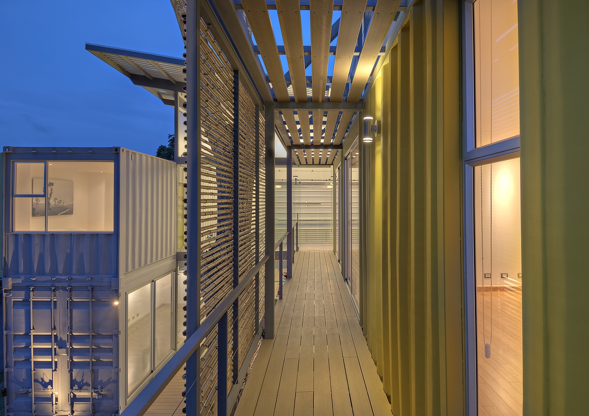 stunning-2-story-home-8-shipping-containers-15