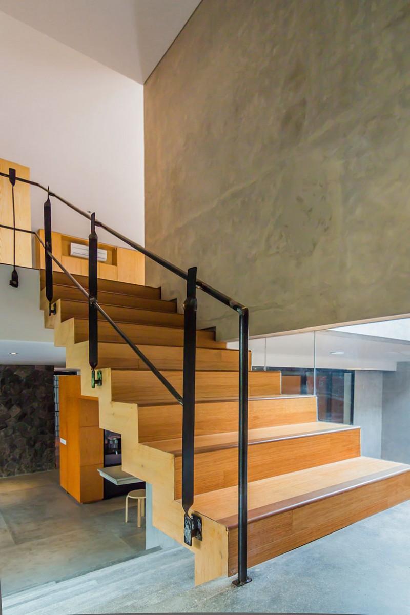lumber-shaped-box-house-15-800x1200