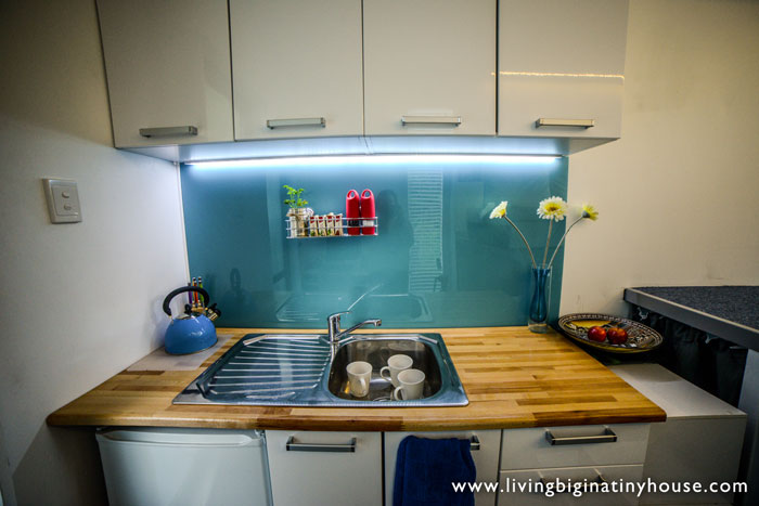 container-house-kitchen