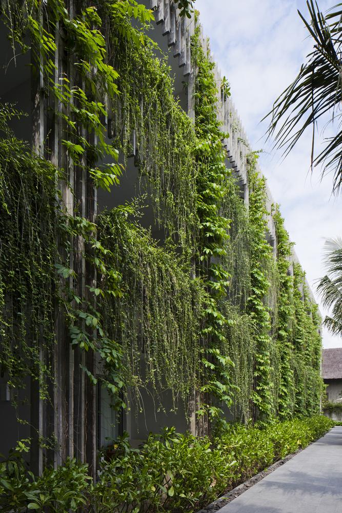 20_green-facade