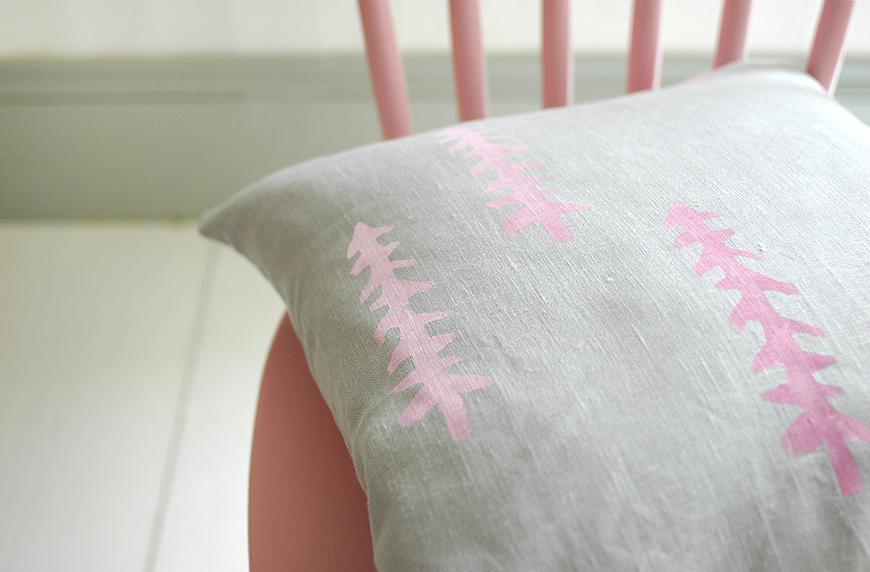 DIY Painted cushion