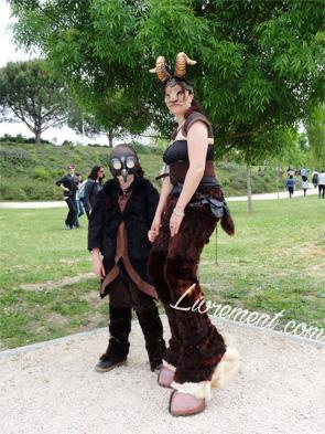 Festival Echos et Merveilles - personnes costumées
