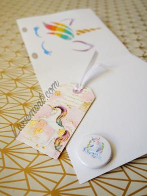 Marque-page, badge et pochoir sur le thème de la licorne