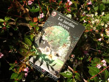 Mise en scène du jardin secret, livre jeunesse écrit par Frances Burnett
