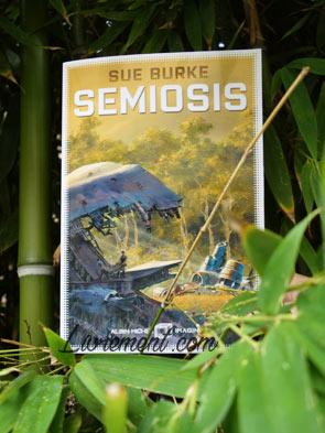 Le livre Semiosis de Sue Burke perdue dans les bambous
