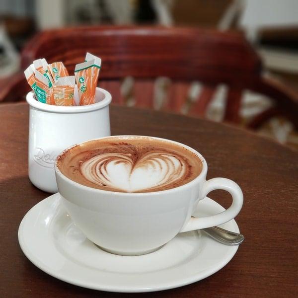 Prendre un café chez Paul et Rimbaud - Paris