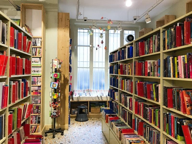 Lire moins cher Paris