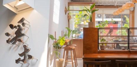 台中西區巷弄中植栽、木質系餐廳、咖啡廳下午茶-溪木