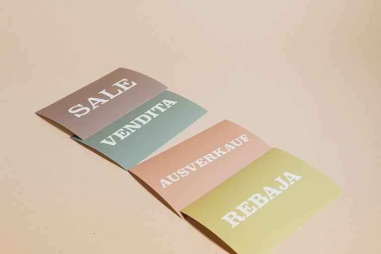 sale cards on beige background tarjetas venta fondo beige copywriting traducción al español