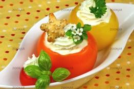 Sommerliche Tomaten mit Kräuterfüllung © Liz Collet