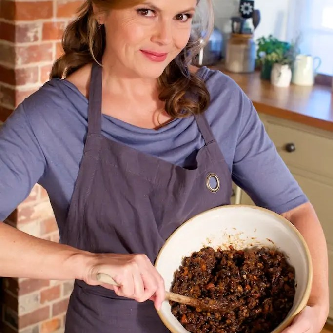 Liz Christmas pudding recipe liz earle wellbeing