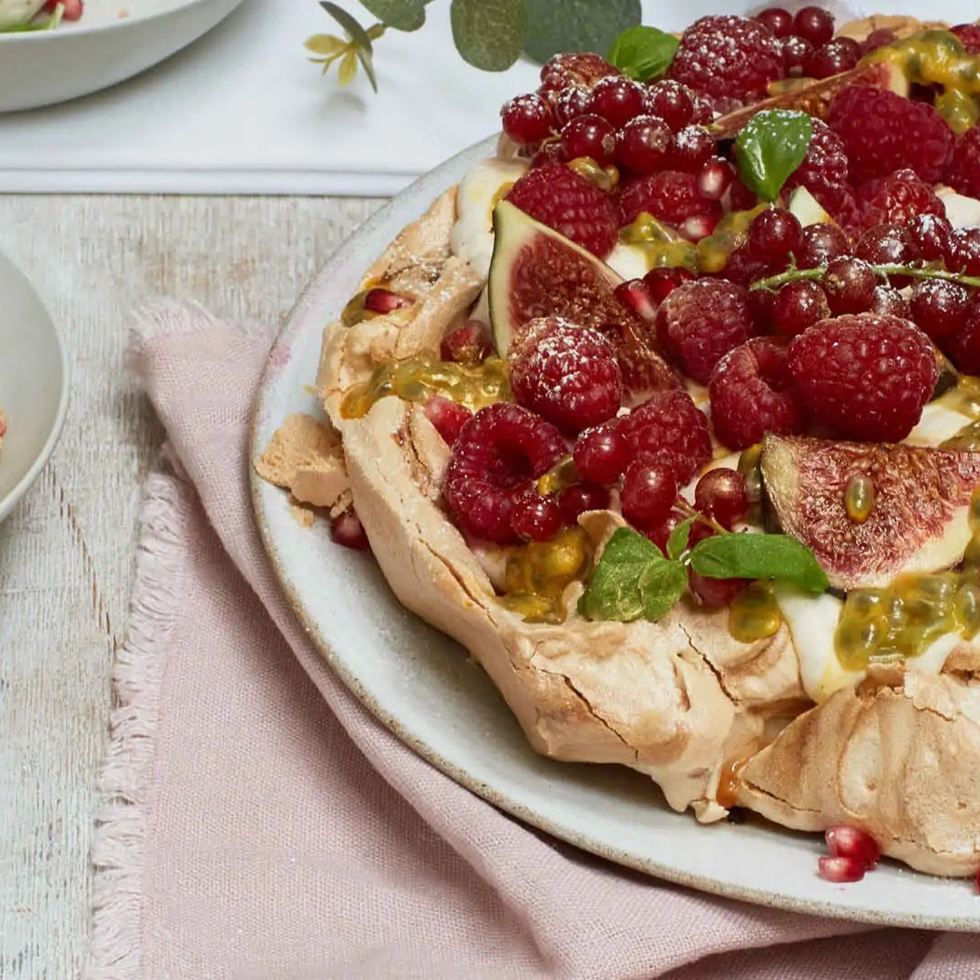 winter berry pavlova liz earle wellbeing