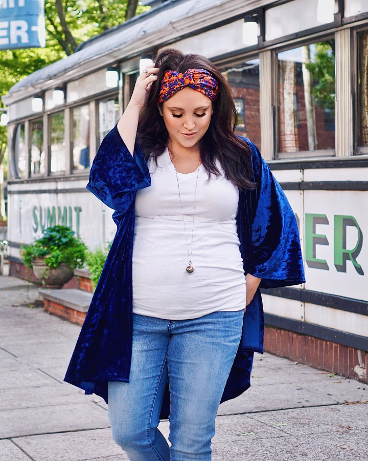 this is the perfect fall maternity outfit, and here's why!