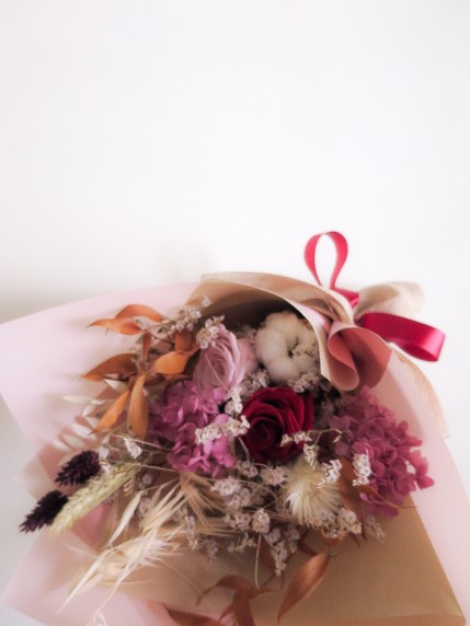 Everlasting Preserved Dried Bouquet in Red and Maroon