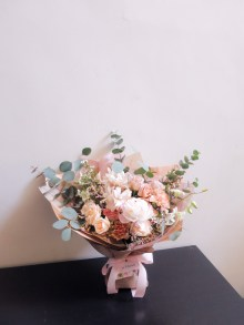 Rustic blush wrapped bouquet - lizflorals