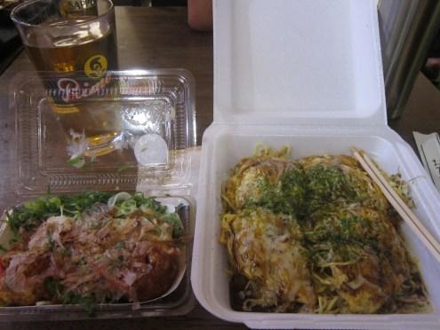 Takoyaki and hiroshimayaki