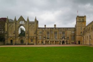 Newstead Abbey One: LizianEvents. Lizian Events. Well Being Show. Wellbeing