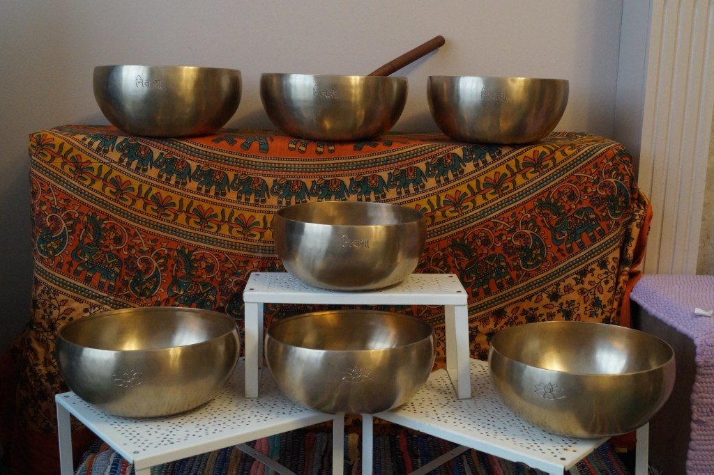 Singing Bowls: LizianEvents Ltd: