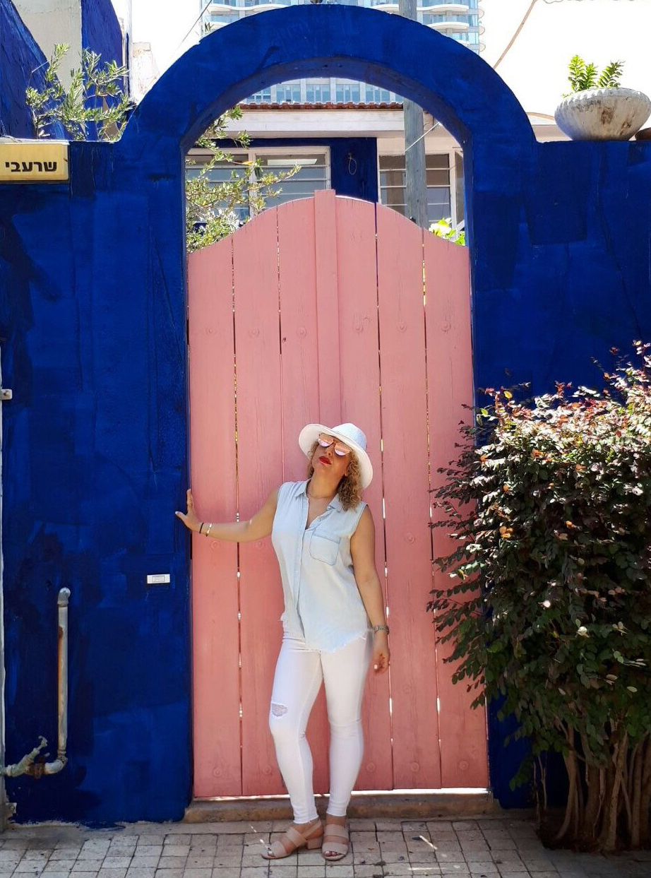 Travel Style in Tel Aviv by Los Angeles Blogger