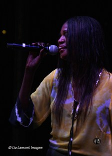Ce Ce, Lead singer
