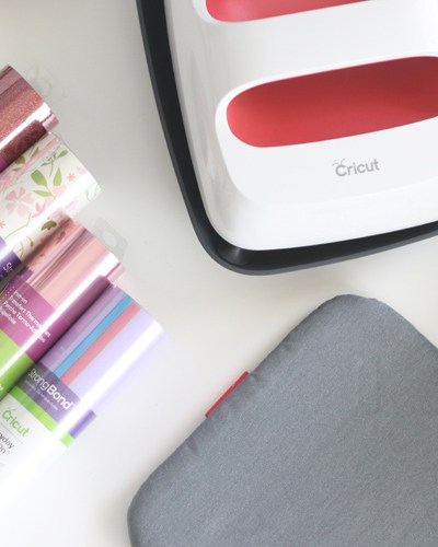 Using iron on vinyl has never been easier.  Here is what you need to know about the Cricut EasyPress 2 to create amazing projects.