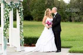 bride-groom-kissing