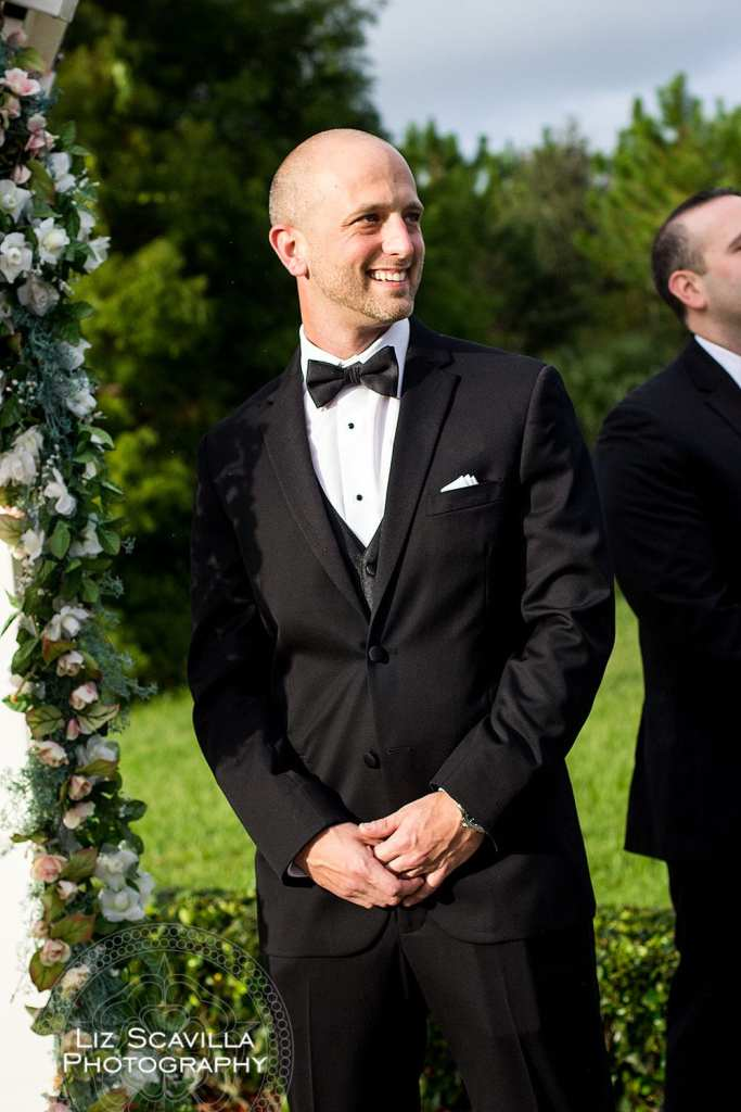groom-sees-bride-first-time