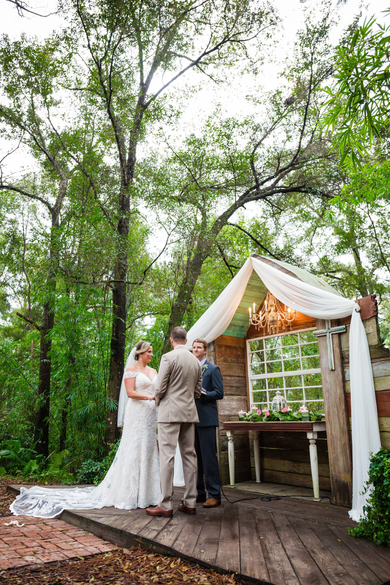 Beautiful natural canopy at Bridle Oaks outdoor ceremony area.