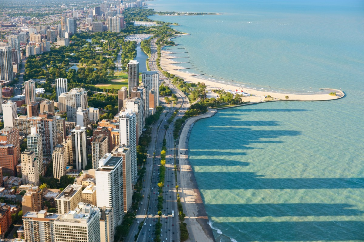 Visit Chicago Beaches with kids