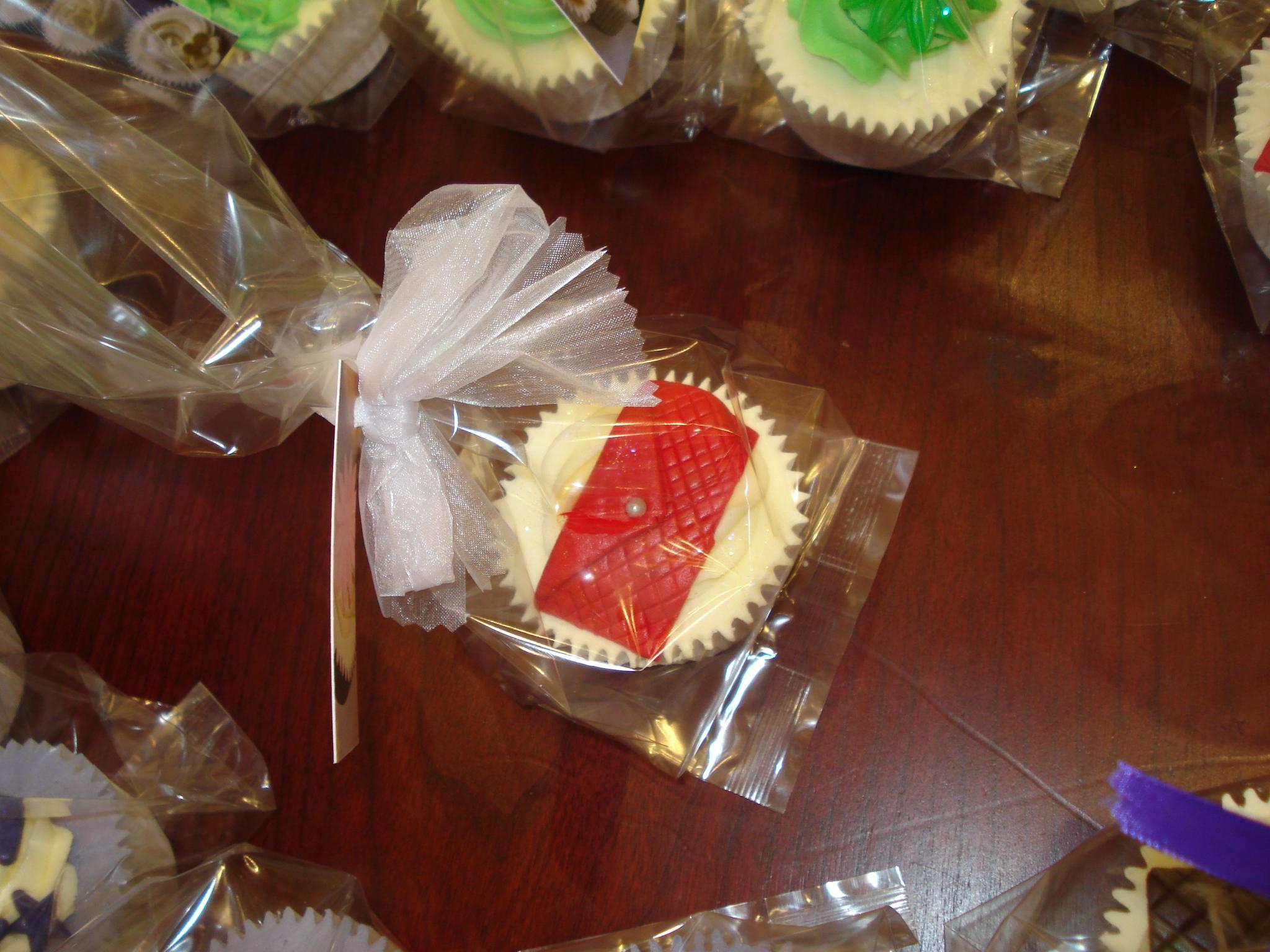 Red clutch bag cupcake