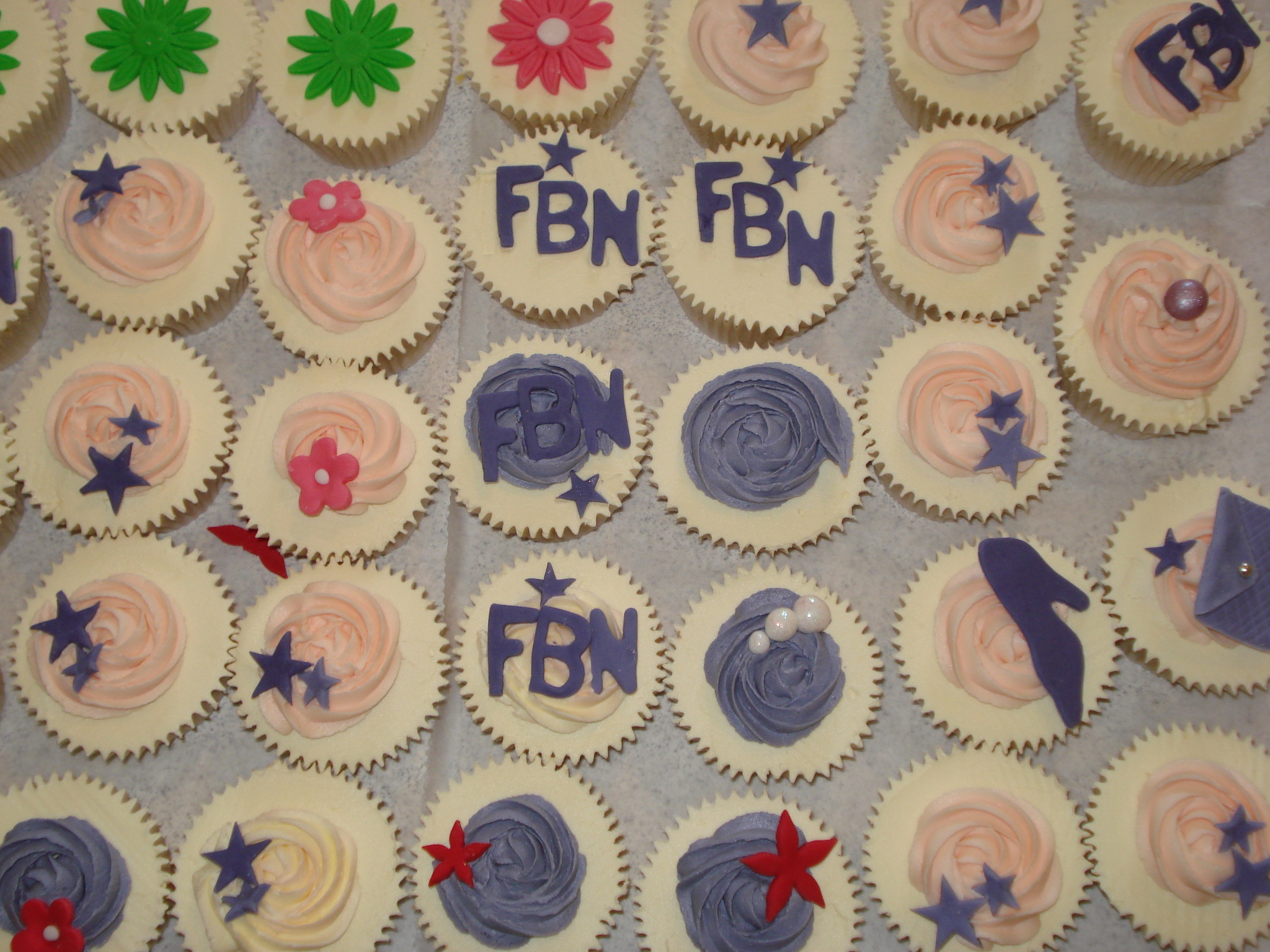 All the fashion cupcakes