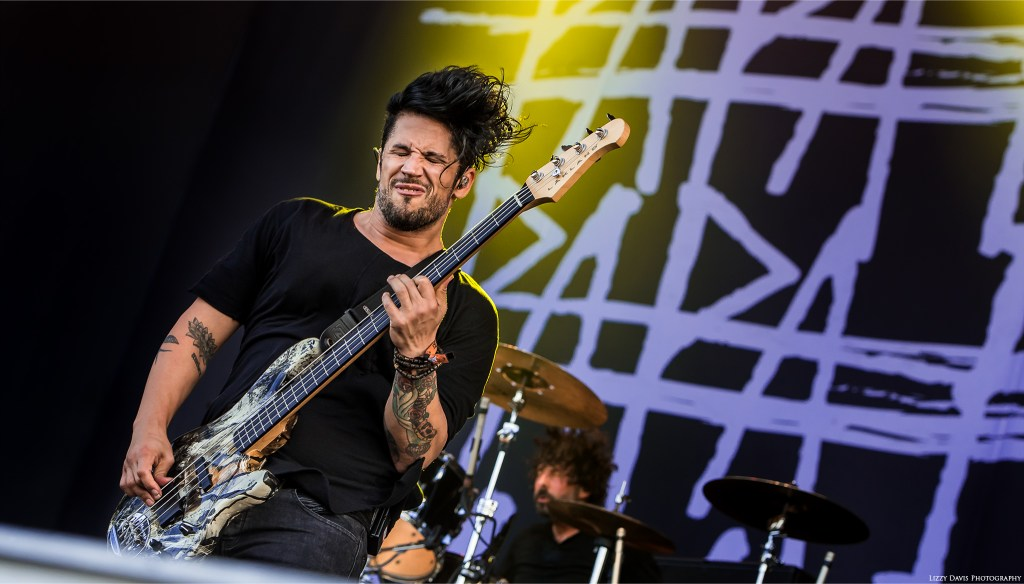 Papa Roach bassist Tobin Esperance is IN the moment. ©Lizzy Davis Photography