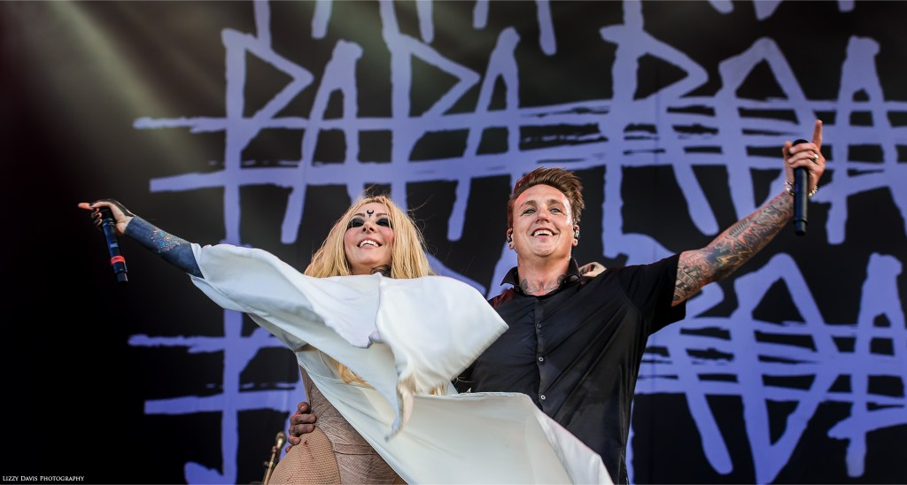 Maria Brink and Papa Roach performing Gravity live at Welcome to Rockville. ©Lizzy Davis Photography